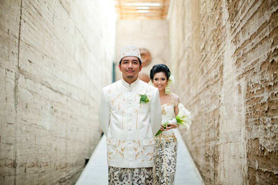 Bunn Salarzon - indonesian wedding photography first look