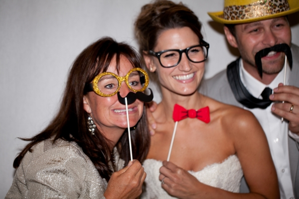 Bunn Salarzon - wedding photo booth with props