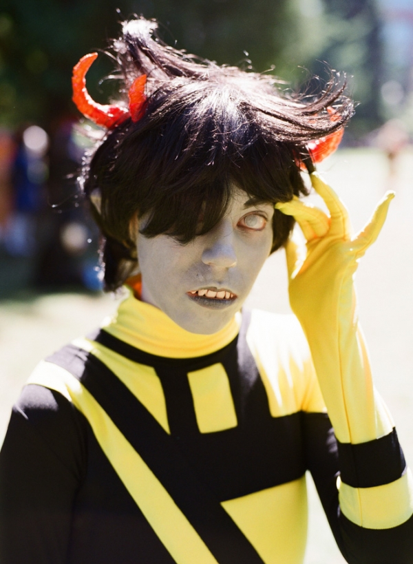 Bunn Salarzon - scary yellow and black alien girl